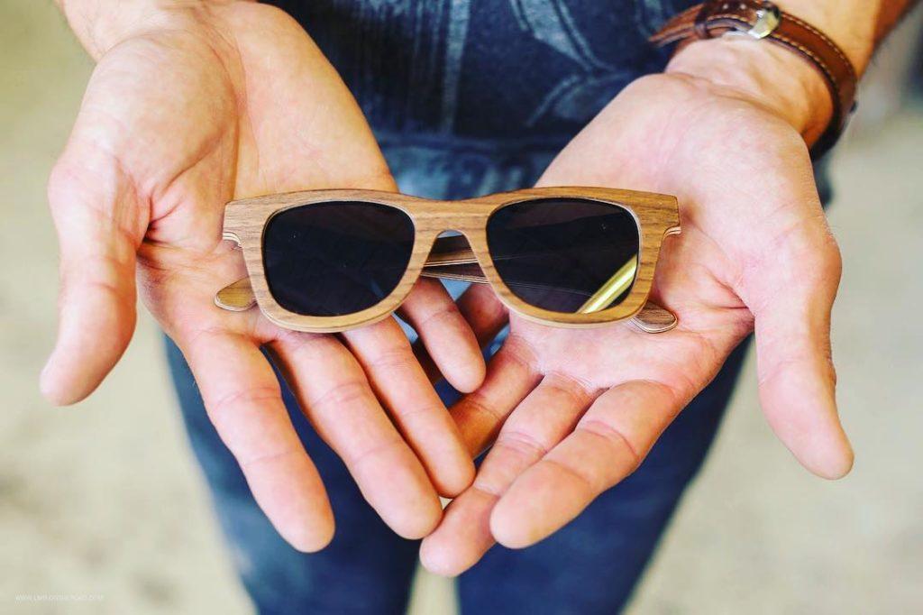 rencontrer 2cca9 df199 Le soleil revient, découvrez les lunettes en bois Shelter !