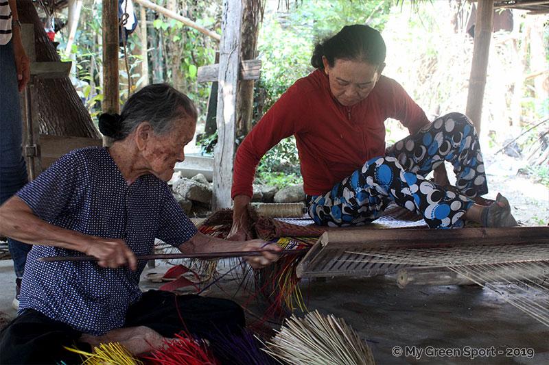 Voyager autrement Vietnam : tissage Hoi An