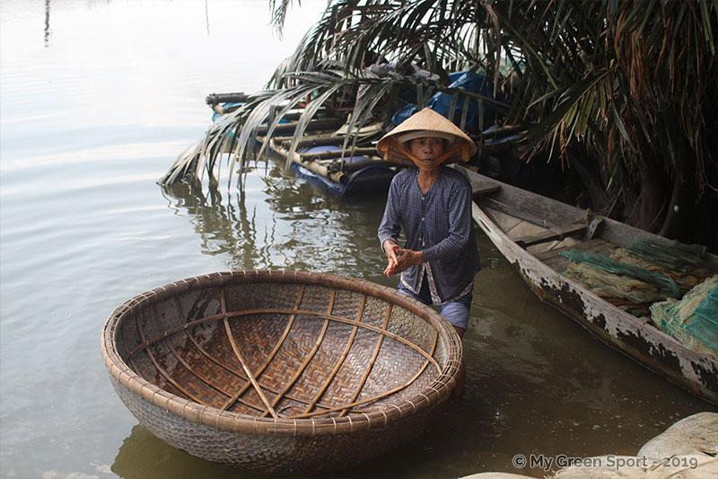Voyager autrement Vietnam : Tour en bateau panier Hoi Han
