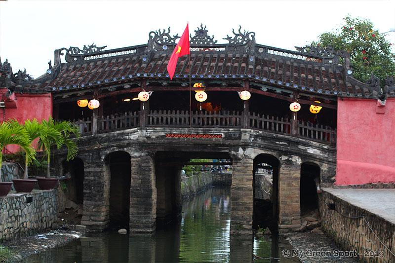 Voyager autrement au Vietnam : Le pont japonais de Hoi An du XVIème